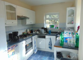 Thumbnail 2 bed flat to rent in Bassett Crescent West, Southampton