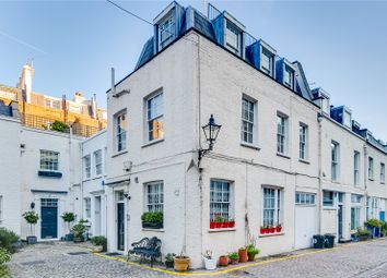 Thumbnail 4 bed mews house to rent in Queens Gate Mews, London