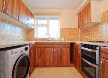 Thumbnail 2 bed flat to rent in Hillmead Court, Taplow, Maidenhead