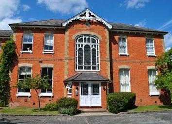 2 bed flat to rent in Boundary Road, Farnborough GU14