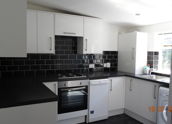 Thumbnail 2 bed bungalow to rent in Cottage Avenue, Bromley Common