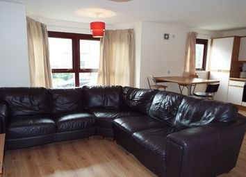 Thumbnail 2 bed flat to rent in Meadowpark Steet, Dennistoun