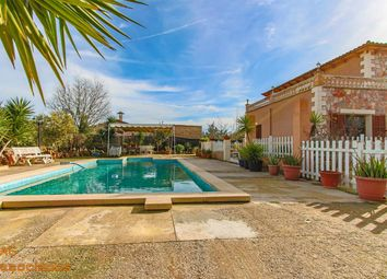 Thumbnail 4 bed country house for sale in Avinguda D'alcúdia 07300, Inca, Islas Baleares