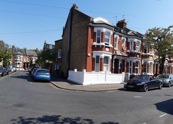 2 bed flat to rent in Knoll Road, Wandsworth SW18