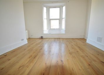 Thumbnail 2 bed flat to rent in Richmond Road, Gillingham