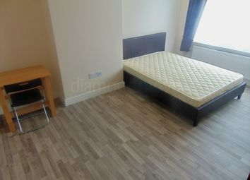 Thumbnail 1 bedroom flat to rent in Rosemary Avenue, Hounslow