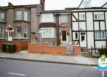 Thumbnail 1 bed flat to rent in Stockwood Crescent, Luton