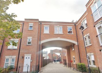 2 bed flat to rent in Godwin Court, Swindon SN1