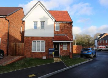 3 bed detached house to rent in Loddon Bridge Road, Woodley, Reading RG5