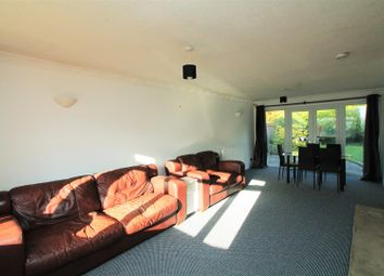 Thumbnail 5 bedroom property to rent in Bishops Close, Hatfield