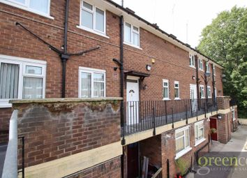 2 bed maisonette to rent in Cheviot Close, Salford M6