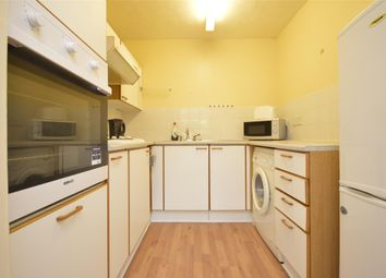 1 bed flat to rent in Brook Court, Wordsworth Drive, Sutton, Surrey SM3