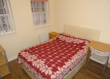 Thumbnail Room to rent in Gawton Crescent, Coulsdon