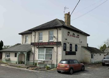 Thumbnail Pub/bar to let in Pentwyn, Gowerton Road, Three Crosses, Swansea