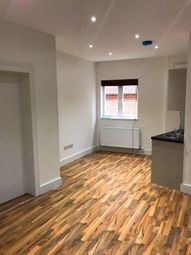Thumbnail 1 bed flat to rent in Sotuh Bermondsey, London