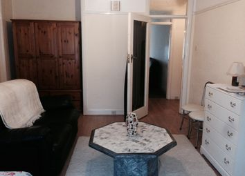 Thumbnail Room to rent in All Bills & Council Tax Included, West Court/Osterley