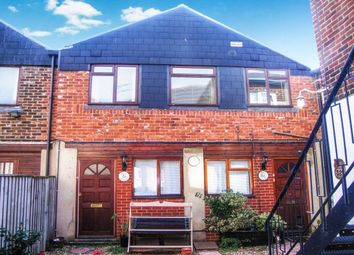 Thumbnail 2 bed flat to rent in Green Street, Ryde