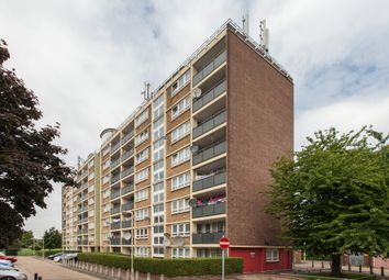 Thumbnail 2 bed flat for sale in Lonsdale Close, London