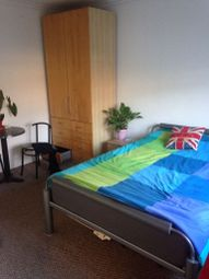 Thumbnail Room to rent in Castlebar Park, London
