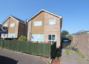 Thumbnail 4 bed detached house for sale in Lakin Drive, Barry