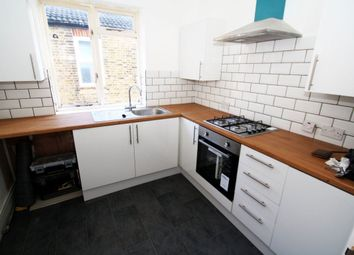 Thumbnail 2 bedroom flat to rent in Napier Avenue, Southend-On-Sea