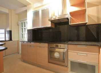 Thumbnail 2 bed flat for sale in Latymer Court, Hammersmith Road, London