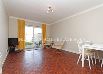 2 bed flat for sale in The Vineries, London N14