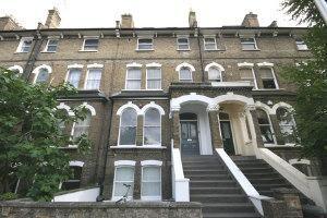 Thumbnail 3 bed flat to rent in Ospridge Road, Kentish Town