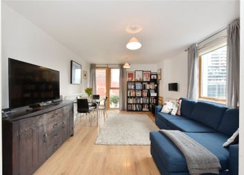 Phoenix Heights East, 4 Mastmaker Road, London E14. 2 bed flat for sale