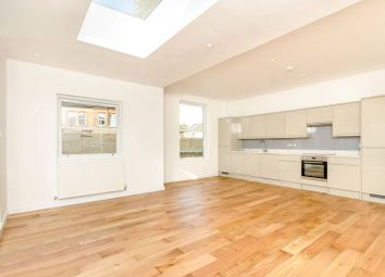 Thumbnail 3 bed flat to rent in Ryde Vale Road, Balham