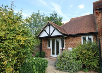 Thumbnail 2 bedroom flat to rent in Park Court, Thame