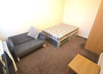 Thumbnail 4 bed flat to rent in Wokingham Road, Reading, Berkshire