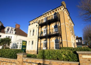 Westcliff Parade, Westcliff-On-Sea SS0. 2 bed flat