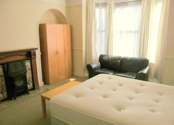 Thumbnail Room to rent in Stroud Road, Linden, Gloucester