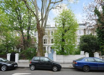 2 bed flat to rent in Elsham Road, Holland Park, London W14