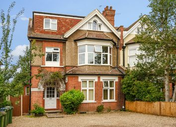 Effingham Road, Long Ditton, Surbiton KT6. 2 bed flat