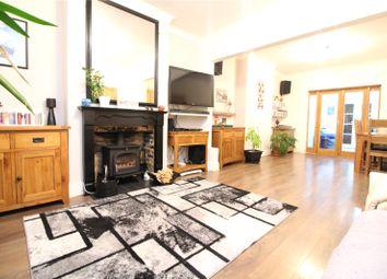3 bed end terrace house for sale in Pinnocks Avenue, Gravesend, Kent DA11