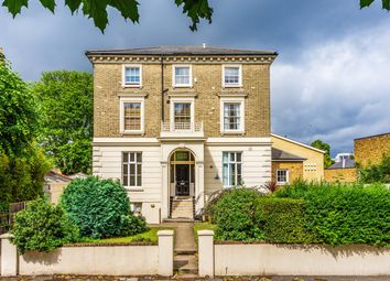 Thumbnail 1 bed flat for sale in Kings Avenue, Clapham, London