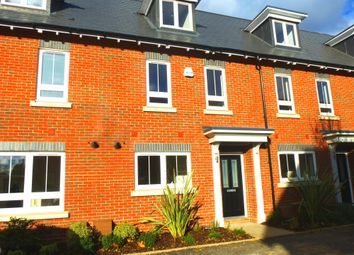 Thumbnail 3 bed property to rent in Kingfisher Drive, Maidenhead