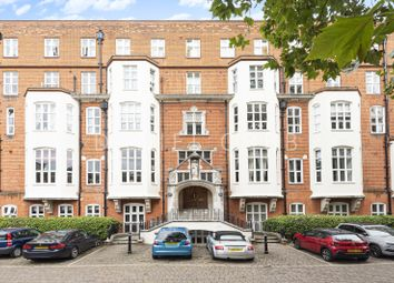 3 bed flat for sale in Cormont Road, London SE5