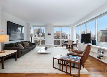 Thumbnail 2 bed apartment for sale in 200 West End Avenue 19A, New York, New York, United States Of America