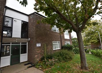 Thumbnail 3 bed flat to rent in Thorpe Walk, Colchester