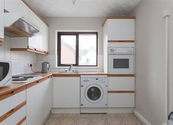 Thumbnail 2 bedroom flat to rent in Iestynian Avenue, Pontcanna, Cardiff