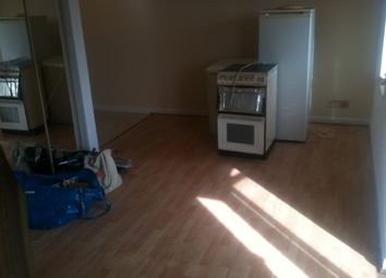 Thumbnail Studio to rent in Franklin Ave, Slough