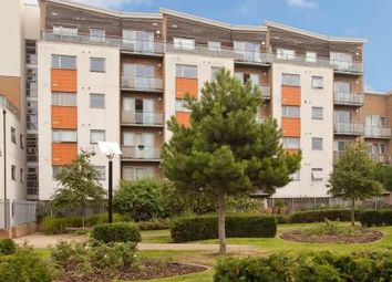 Thumbnail 2 bed flat to rent in Violet Road, London