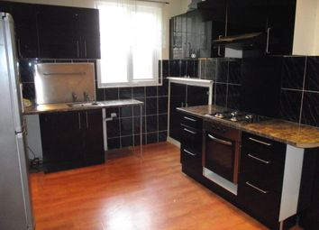 Thumbnail 3 bed flat to rent in Radcliffe Road, West Bridgford, Nottingham