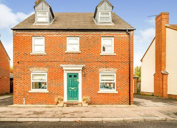 Thumbnail Town house for sale in Brimmers Way, Aylesbury