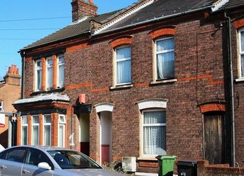Thumbnail 1 bed flat to rent in Newcombe Road, Luton