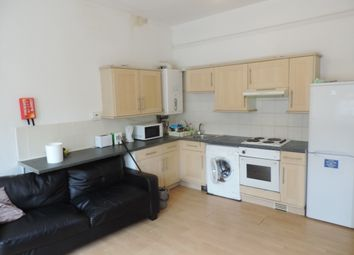 3 bed flat to rent in Richmond Road, Cathays CF24