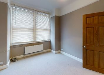 2 bed flat to rent in Masons Avenue, Harrow HA3